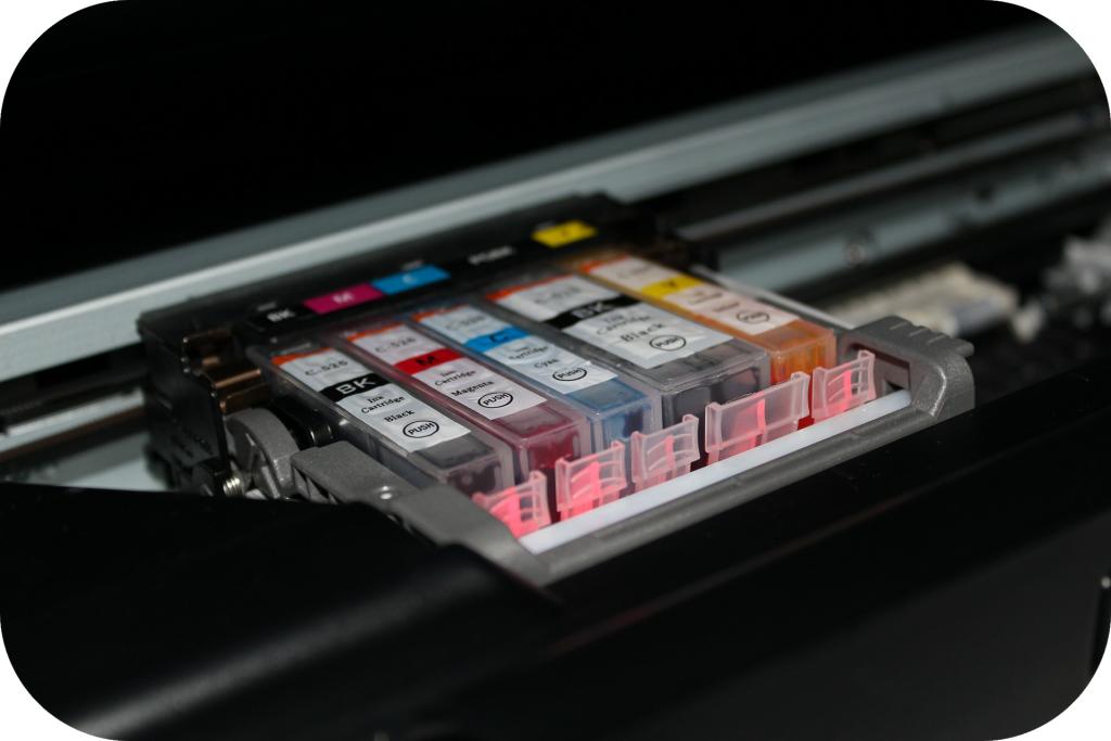 Ink cartridges of a color printer